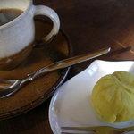 グリーンワールド - 2008.11 食後のコーヒーには栗きんとんがついてきました。