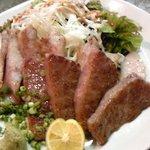 鉄板居酒屋佐助  - A5ランクのステーキと豚トロです。
