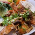 ジレカフェ - これも秋の味覚だな~、「A 秋鮭のきのこ南蛮」