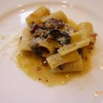 サバティーニ・ディ・フィレンツェ - 自家製イタリアンソーセージと黒キャベツのリガトーニ