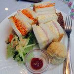 9591043 - 野菜サンド+スコーン+サラダ