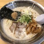 らーめん 麺虎 - 料理写真:小屋支店長ラーメン