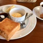 グランチェスター - 料理写真:ブレンドコーヒー モーニングサービスC SET