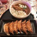いわま餃子 Exotic Dining - 「ミニカレー」380円+「焼き餃子6個」360円