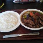 木多郎 - ラムステーキカレー1360円