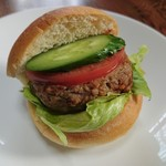 トレビアン - 料理写真:ハンバーガー (170円)