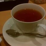 イタメシヤ ヴィーノ&エパスト - ホット紅茶