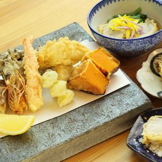 季節の和食を彩る天ぷらとおでんの出逢いをお愉しみください。