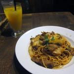 ビストリア - 牛バラ肉 × 白菜のトマトソース