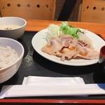 95932077 - 黒豚ロース生姜焼き定食                         ¥800