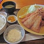 おおさかや - 料理写真:カキミックス定食