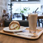キッサ マシマロ - 2018年11月再訪:リンゴとシナモンのロールケーキ&黒糖ミルク☆