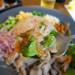 クリヤム - カオクルックカピ(カピ風味のまぜごはん)