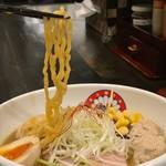 らぁ麺 きくはん - ちぢれ麺リフト