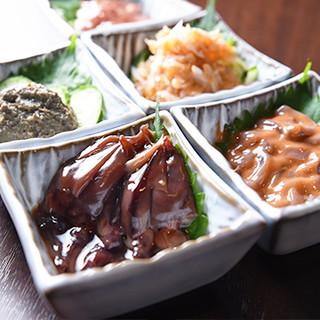 川崎幸市場で仕入れた新鮮な魚でつくる自慢のつまみ!