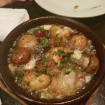 PIZZERIA NAPOLETANA CANTERA - 牡蠣とマッシュルームのアヒージョ