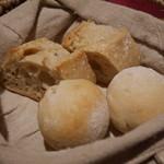 バンケッティ - 自家製パン
