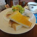 UCCカフェプラザ - トースト&目玉焼きモーニング