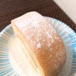 クルル - 見た目よく見る感じのロールケーキ