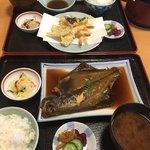 吉喜 - 料理写真:マコガレイの煮付け定食は値段の記載が無かったけれど…950円!でした。