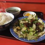 小笹飯店 - ニラレバ定食、全体