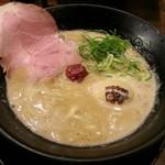 超豚骨 濃度8 - 【(限定) 濃度27 + 煮玉子】¥980 + ¥80