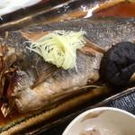 カキ小屋 - 本日の煮魚定食 黒ソイアップ♪