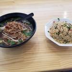 吉勝 - 料理写真:台湾ラーメンと台湾チャーハン