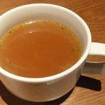 表参道バル エル ヴエロ - コンソメスープ 美味しい
