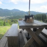 檪の丘 - 訪問した日は9月の気候の良い時期だったので気持ちの良いテラス席で食事をいただきました