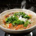 豆乳出汁のトムヤムクンパクチー鍋(3~4人前)