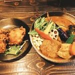 95986574 - 侍まつり 4種(チキン1/2、ハンバーグ、豚角煮、ザンギ)                       レギュラースープ、辛さ4 、ライス無し  1500円