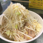 Ramenjirou - ラーメン、ニンニクヤサイ