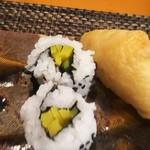 玄海鮨 - いなりとお新香巻  ん?・・・これ何?