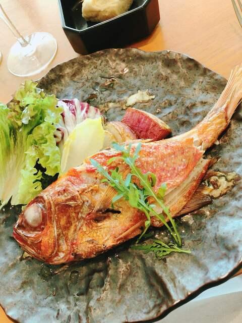 アマルフィイ ノベッロ - 金目鯛のまるごと一本オーブン焼き