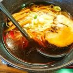 五味八珍 - スープ熱々!