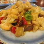 アリヤ 清真美食 - ・肉炒花菜、この皿はメラミンじゃない