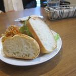 代々木parabola - サラダとパン