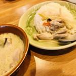 タイレストラン Thian - 少しずつご飯にかけていただきます♪ なんだか給食みたい♪