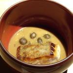 TTOAHISU - ◆石垣鯛・・鯛は皮目をカリッと焼かれています。 ソースというより、オマール、ココナッツ、海老芋、シークワーサーなどで作られたスープと共に頂くといい味わい。 むかごもタップリ。
