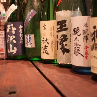 日本酒を30種類程度ご用意、90㏄490円より