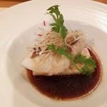 欣喜 - 鮮魚(関鯛)の蒸し物特製ソース