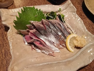 鮮菜厨房 一心 - 秋刀魚のお造り