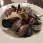 96026691 - 「ムール貝とアサリのワイン蒸し」
