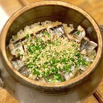 赤坂 山ね家。 - 炙り秋刀魚の土鍋ごはん