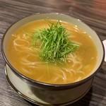 中華割烹 ひさだ - 鶏スープのラーメンwith上海蟹