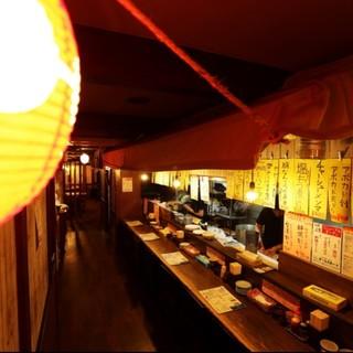 """3つの人気店の味を1つの""""食の夜市""""で楽しめる活気あふ..."""