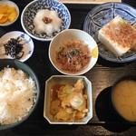 一亀 - 納豆定食500円