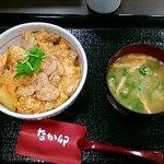 なか卯 - 親子丼&オクラ味噌汁