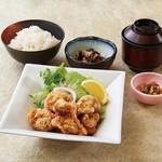 魚魯魚魯 - 若鶏の唐揚げ御膳